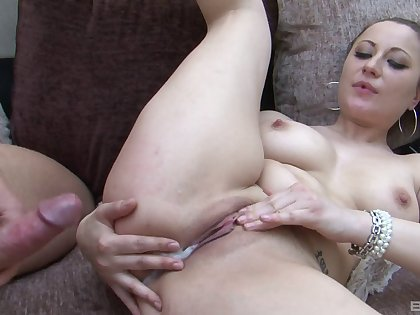 After a blowjob Lara Jade Deene wants to obtain creamed pussy apart from her follower groupie