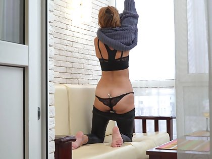 Mature slut lets you spy on her plus that woman loves playing with yourselves