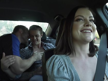 Wild slut with big ass Monarch Syre loves hardcore bisexual MMF threesome