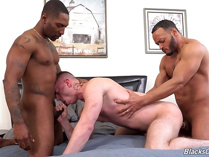 Black hunks fucks  a gay lad and cum on his pain in the neck