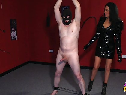 Naked guy with a mask gets dick sucked wide of spoilt Jess Scotland