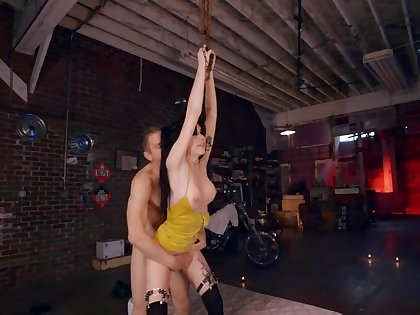 Brunette goth performs a formality that leads to sex in hammer away garage