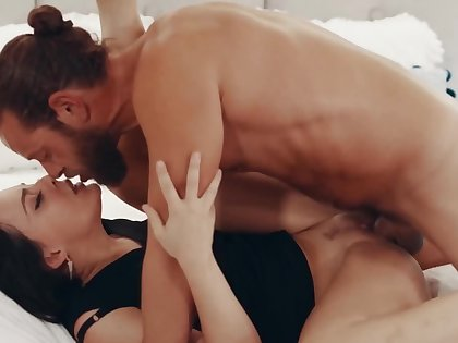 Whitney Wright exploits orientation and pussy embouchure to satisfy Brad