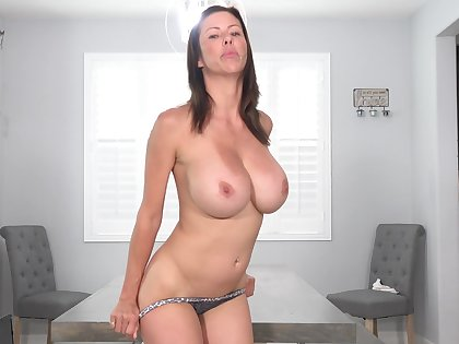 Solo milf, Alexis Fawx is toying her wet pussy